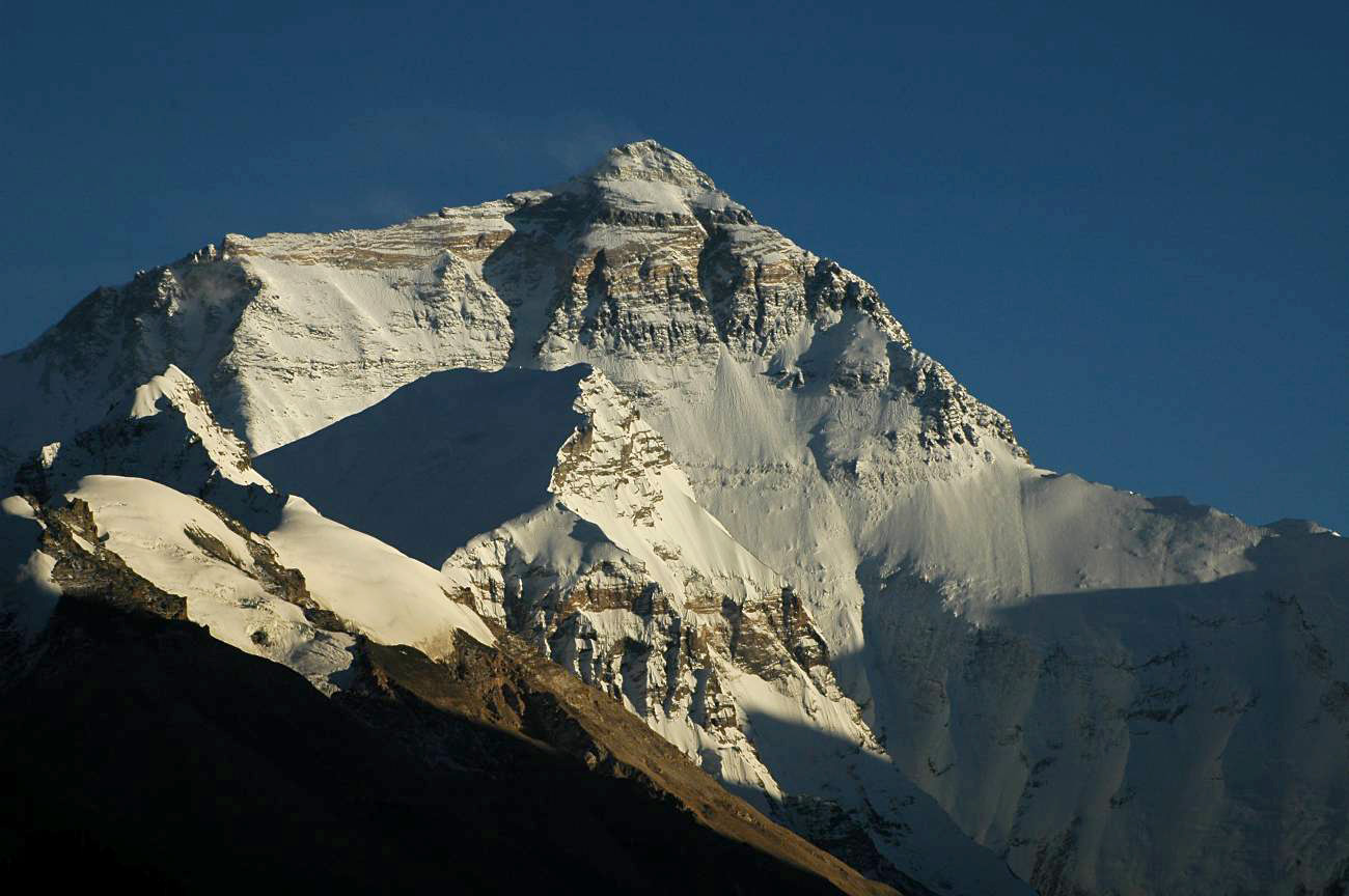 There Are Over 200 Bodies on Mount Everest, And They're Used as